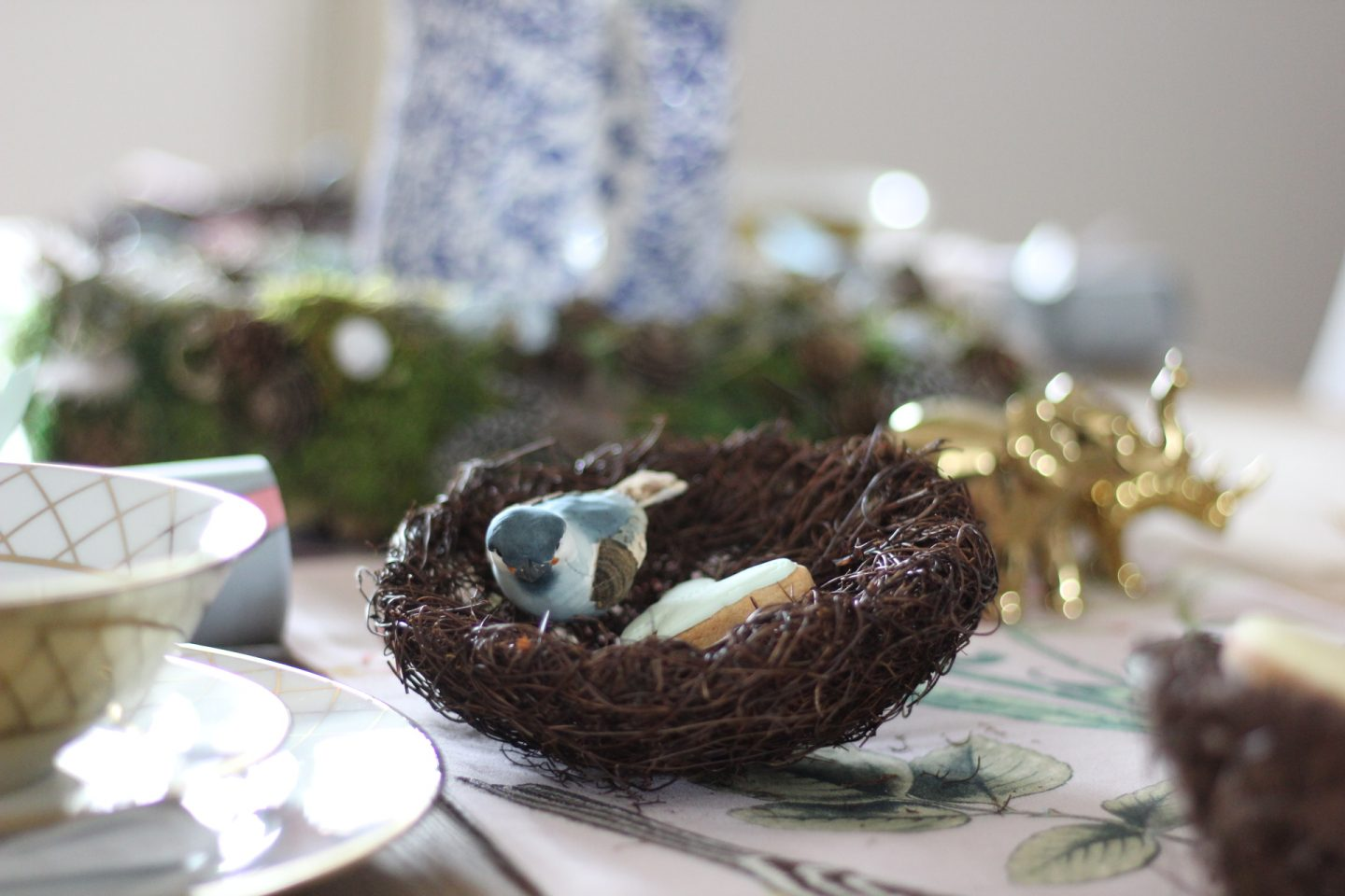 How To Style Your Easter Table